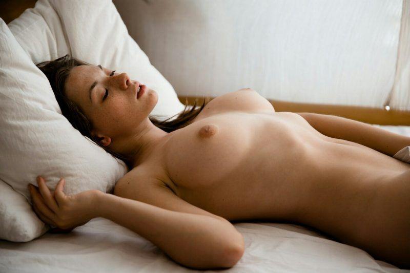 sexy girl fingert sich